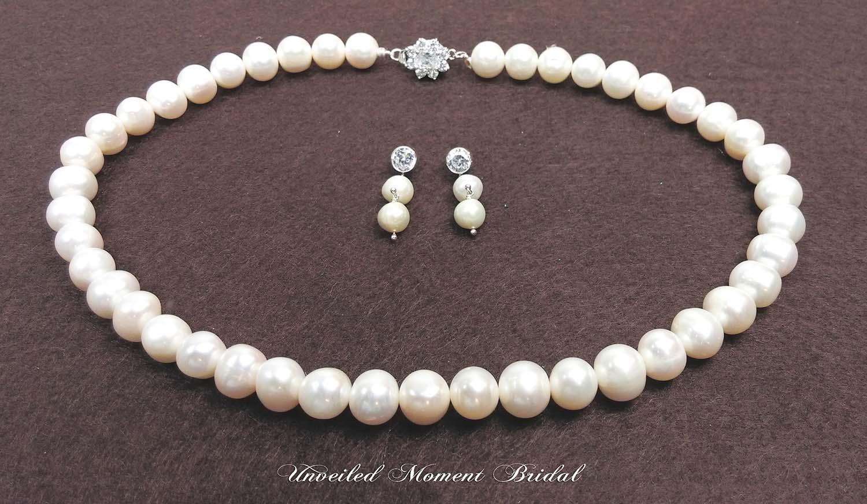 首飾 - 養珍珠水晶純銀扣頸鏈及耳環 Accessories - Cultured pearls necklace and earrings in silver and crystal closures