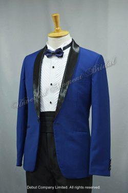 Blue suit-style tuxedo with black Trim Collar , matched with black cummerbund and blue bow. 藍色格仔領結bow tie, 黑色腰封, 黑色披肩領藍色西裝款新郎禮服