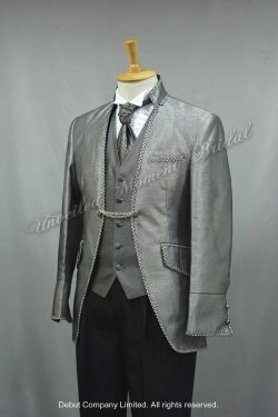 Sliver mandarin collar cutaway tuxedo matched with grey waistcoat and tie 銀色豬腸呔, 銀灰色馬甲, 銀邊企領新郎禮服