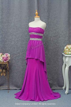 Purple strapless party dress with a jeweled empire waistline and waistband, and a brush train 紫色, 無肩帶, 閃石腰帶, 拖尾, 宴會晚裝裙