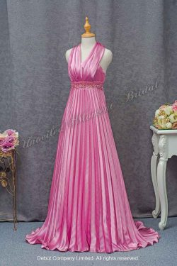 Halter neckline, beaded empire waistline party dress with a pleated skirt. Colour: Matte Pink 掛頸款閃石腰帶, 粉紅色宴會晚裝裙