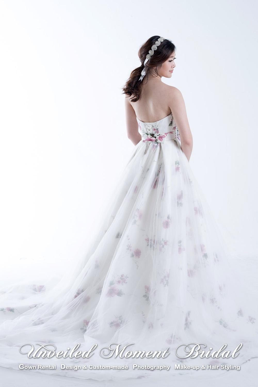 Strapless, sweetheart neckline, floral printed, court train, white evening gown 無肩帶, 心形胸, 拖尾, 花裙白色晩裝