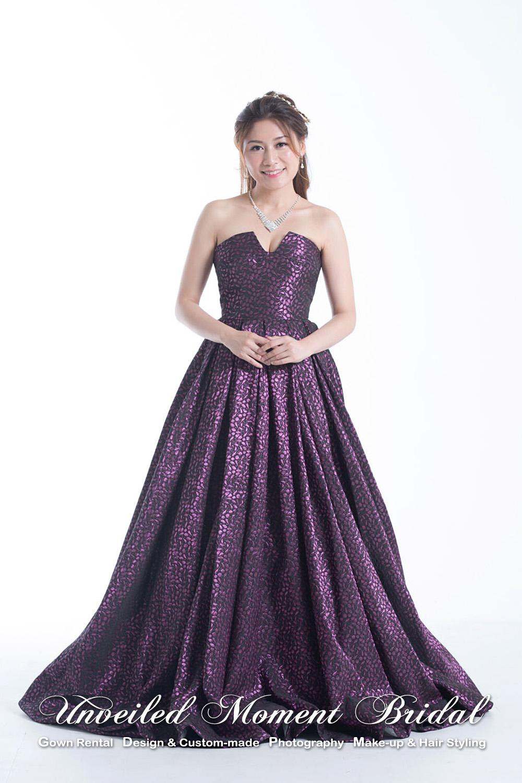 Strapless, low-cut, U-share neckline, ball evening gown. Colour: Violet 無袖, U-型領口, 光面紫色公主傘裙晩裝