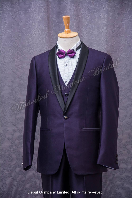 Purple suit-style tuxedo with black Trim Collar , matched with purple waistcoat and purple bow. 紫色格仔領結bow tie, 紫色馬甲背心, 黑色披肩領紫色西裝款新郎禮服