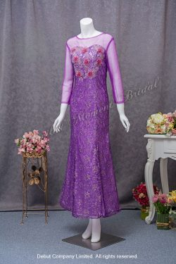 See-through long sleeves, decorative lace evening dress with a sweetheart neckline for the mother-of-the-bride. Colour: Violet. 透視長袖, 蕾絲, 心形胸媽咪奶奶紫色晩裝
