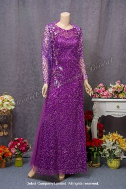 Round neckline, embellished with sequins, decorated with shawl, mother-of-the-bride Dress. Colour: Purple. 圓領, 閃片, 襯色披肩, 紫色媽咪奶奶晩裝