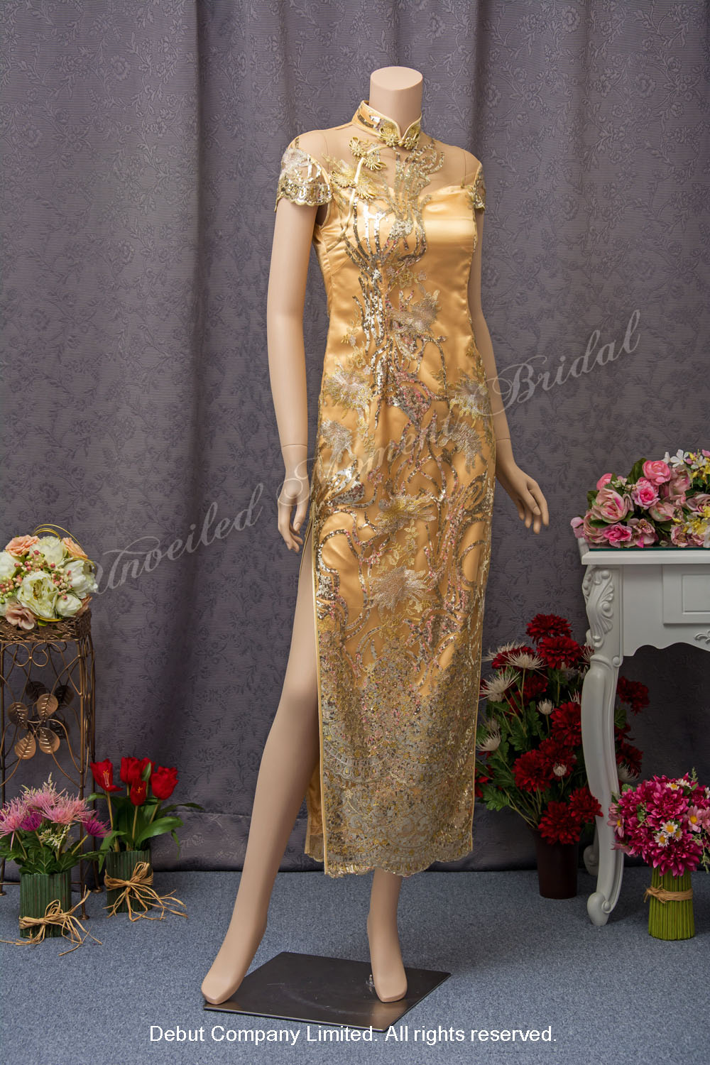 Gold Mother-of-the-Bride QiPao 金色媽咪旗袍