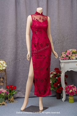 Burgundy, sleeveless Mother-of-the-Bride Qi-pao with sequins and slits on sides 酒紅色珠片媽咪旗袍