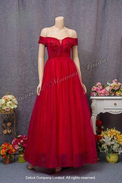 Off-the-shoulder, decorative lace bodice, A-line evening dress. Colour: Red. 一字膊, 蕾絲釘珠, A-line紅色晩裝