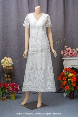 French lace, V neckline, short sleeves, see-through low-back, carefree wedding dress. 法國蕾絲, V領, 透視美背, 短袖輕婚紗