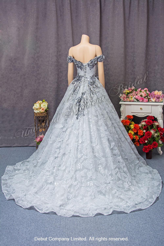 Sliver Gray off-the-shoulder Evening Dress with Deep-V neckline, floral applique embellishments and chapel train 銀灰色, 一字膊, V型領口, 立體花釘珠, 拖尾晚裝