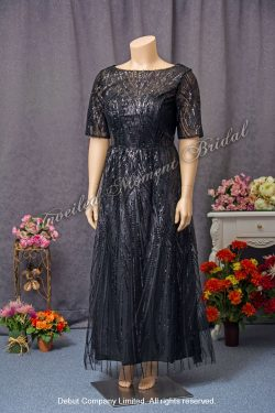 3/4 Sleeves, Round Neckline, Embellished with Black sequins, decorative waistbelt, Party Dress. Size: Extra Large (XXL). Colour: Black. 加大碼, 中袖, 圓領, 黑色亮片, 銀灰色腰帶, 黑色宴會晩裝