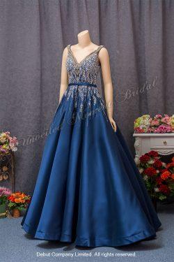 Sleeveless, V-shape Neckline, Beaded Bodice, A-line Evening Gown with Floor Length. Colour: Royal Blue. 無袖V領, 閃片釘珠, A型裁剪, 齊地款寶藍色晩裝